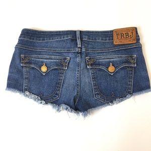 TRUE RELIGION Cut Off Jeans